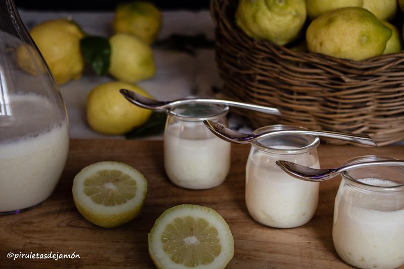 Yogurt liquido de limón