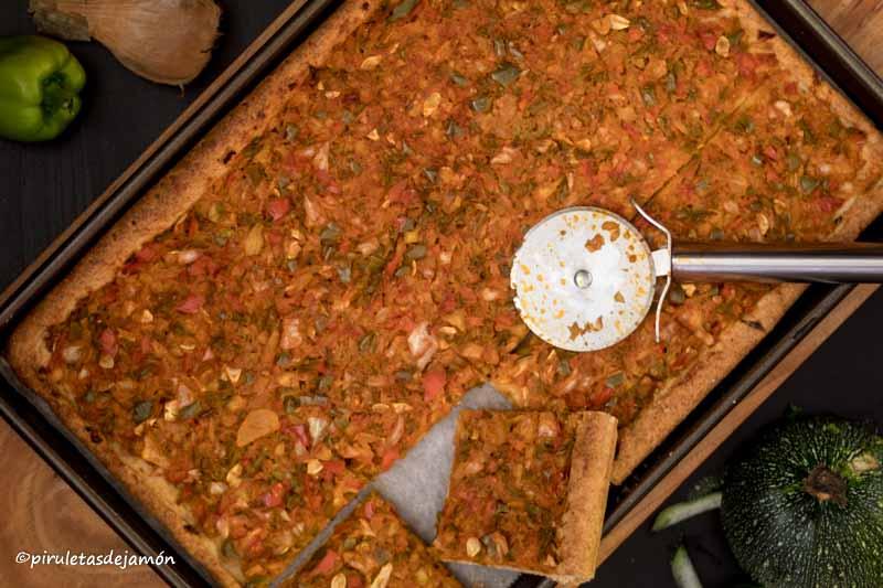 Coca de verduras -Piruletas de jamón- Blog de cocina