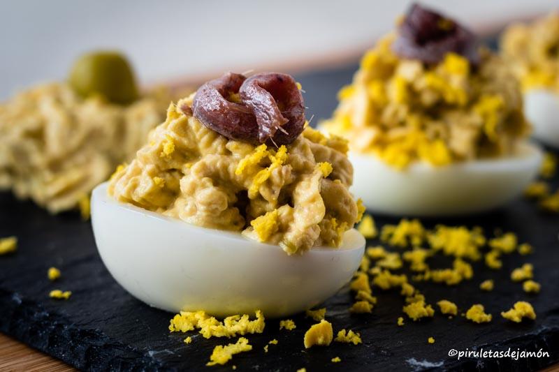 Huevos rellenos-Piruletas de jamón- Blog de cocina