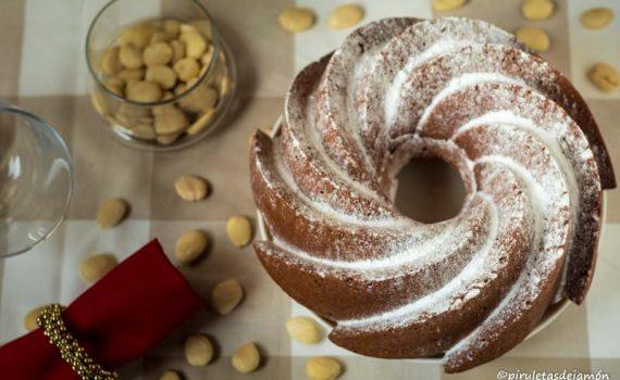 Bizcocho de mazapán | Piruletas de jamón - Blog de cocina
