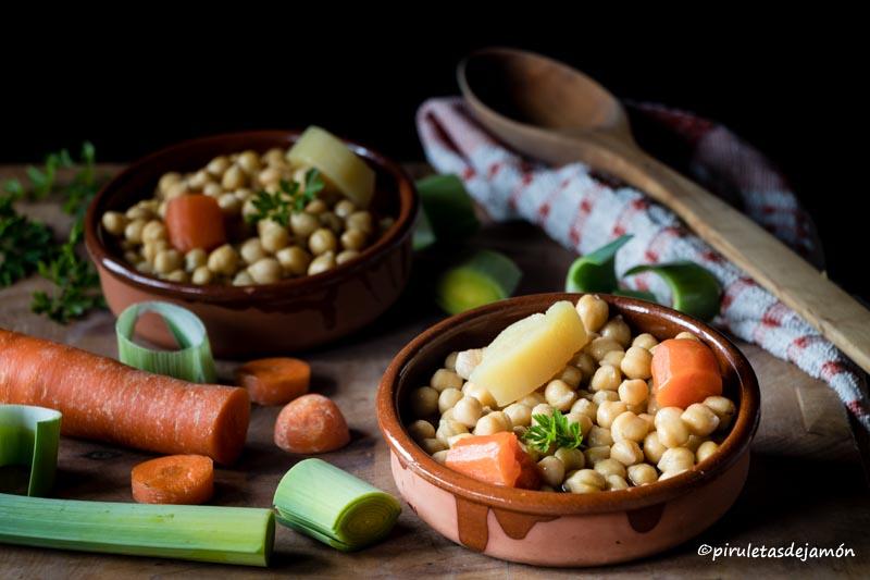 Cocido de garbanzos |Piruletas de jamón- Blog de cocina