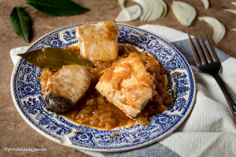 Bonito encebollado |Piruletas de jamón- Blog de cocina