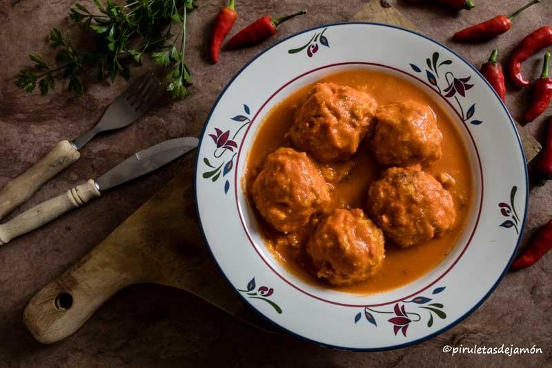 Albóndigas de pollo-Piruletas de jamón- Blog de cocina