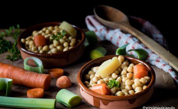 Cocido de garbanzos |Piruletas de jamón - Blog de cocina