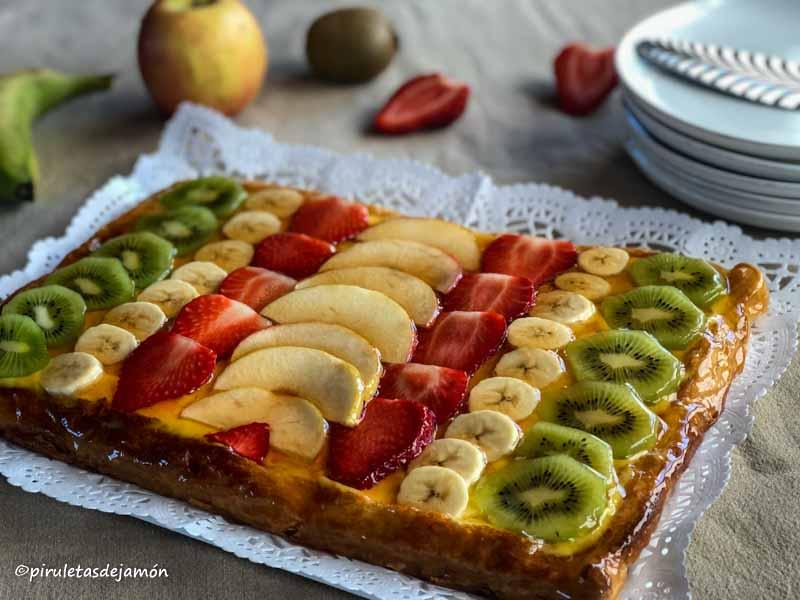Tarta de hojaldre con frutas  Piruletas de jamón- Blog de cocina