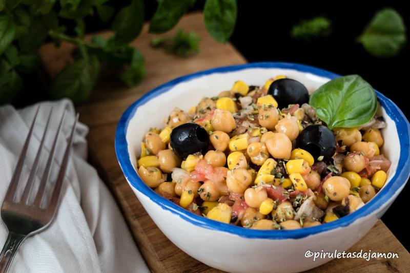 Ensalada de garbanzos y maíz   Piruletas de jamón - Blog de cocina